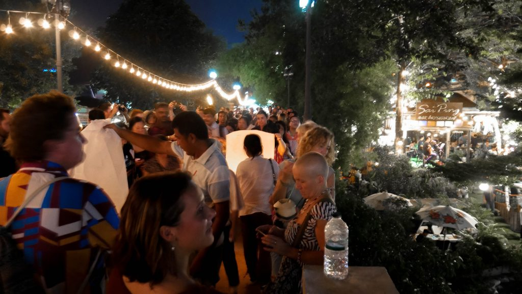 festival das lanternas chiang mai